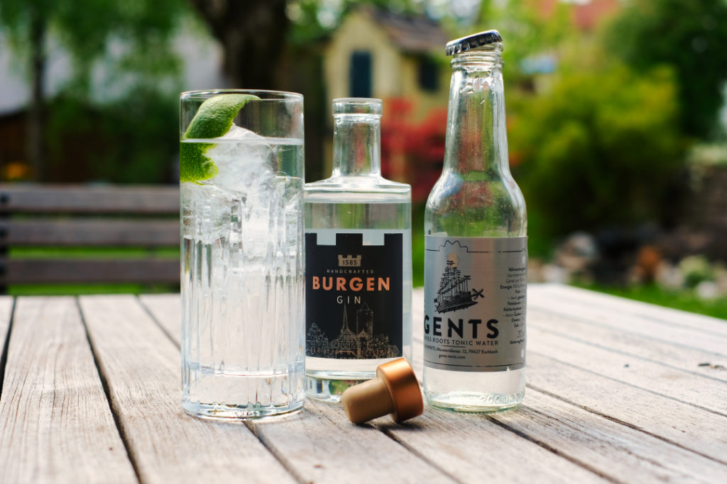 Burgen Herbaly Dry Gin & Gents Swiss Roots Tonic Water